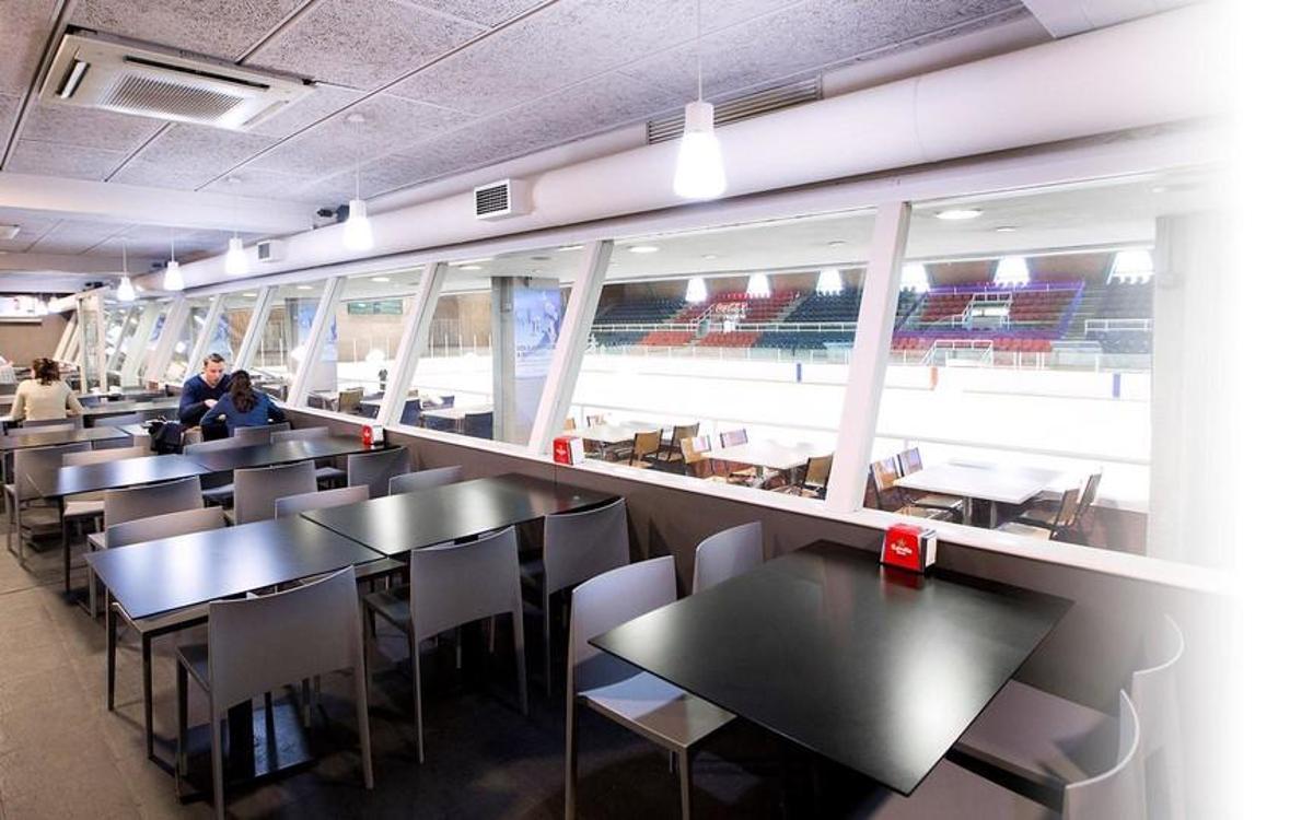 Así es el bar de la pista de hielo