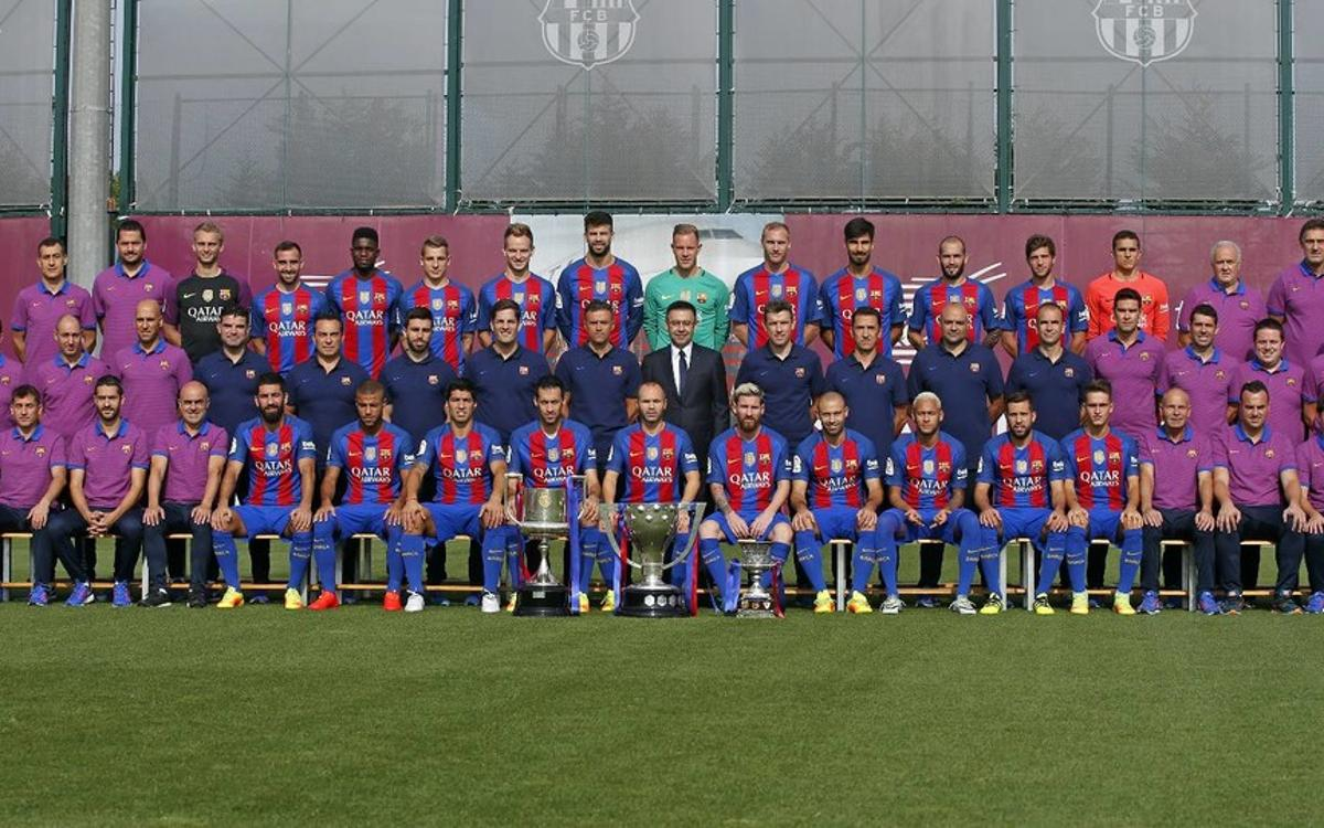 Barcelona first team photo 2017-18 season