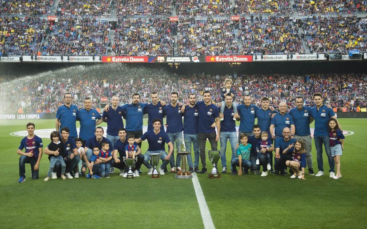 El Barça Lassa ofereix els quatre títols d'una temporada excepcional al Camp Nou