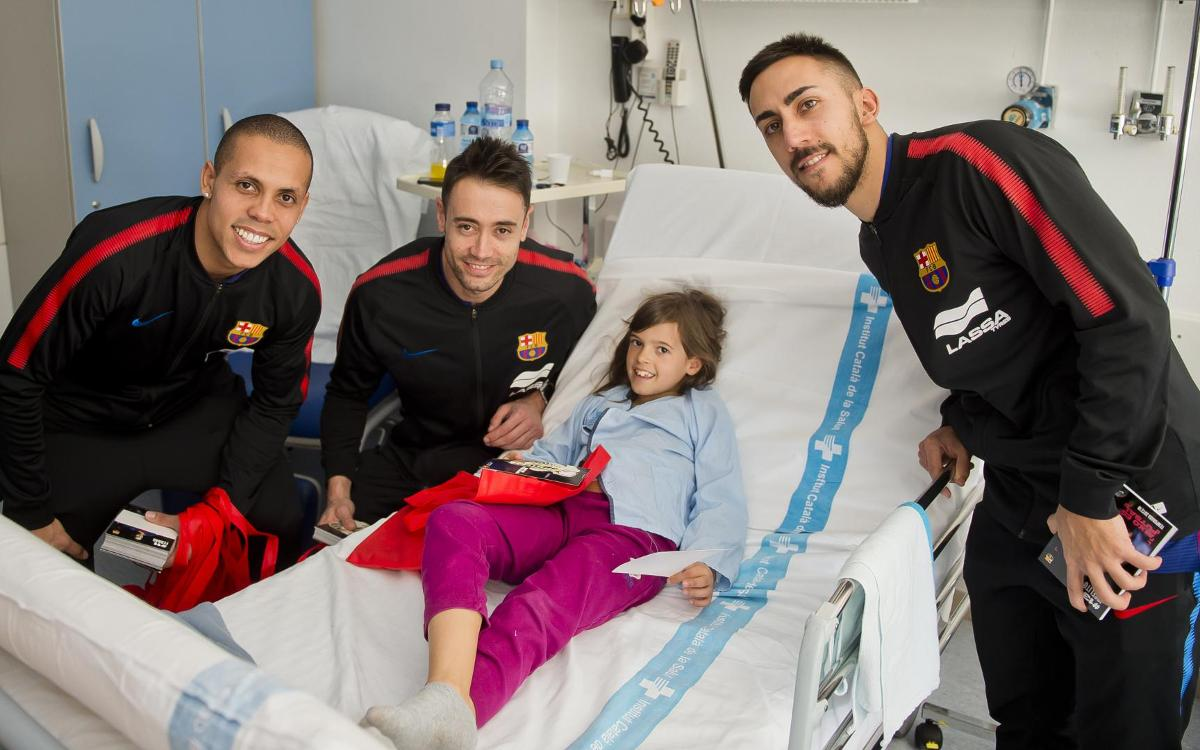 Visita a los niños y niñas del Hospital Germans Trias