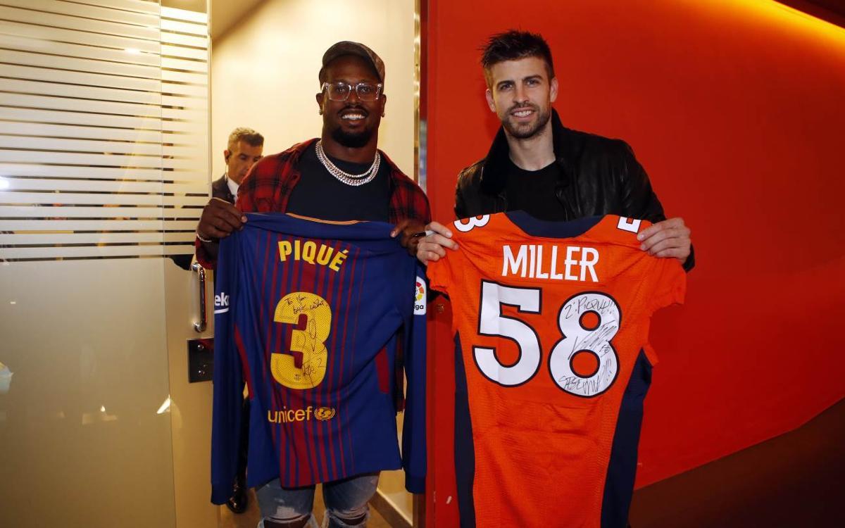 Cuatro jugadores de la NFL, visitantes de lujo en el Camp Nou