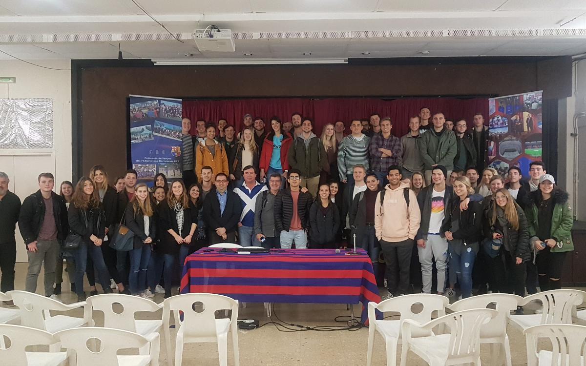 Xerrada de la Federació de Penyes del Barcelonès Est a 70 estudiants dels Estats Units