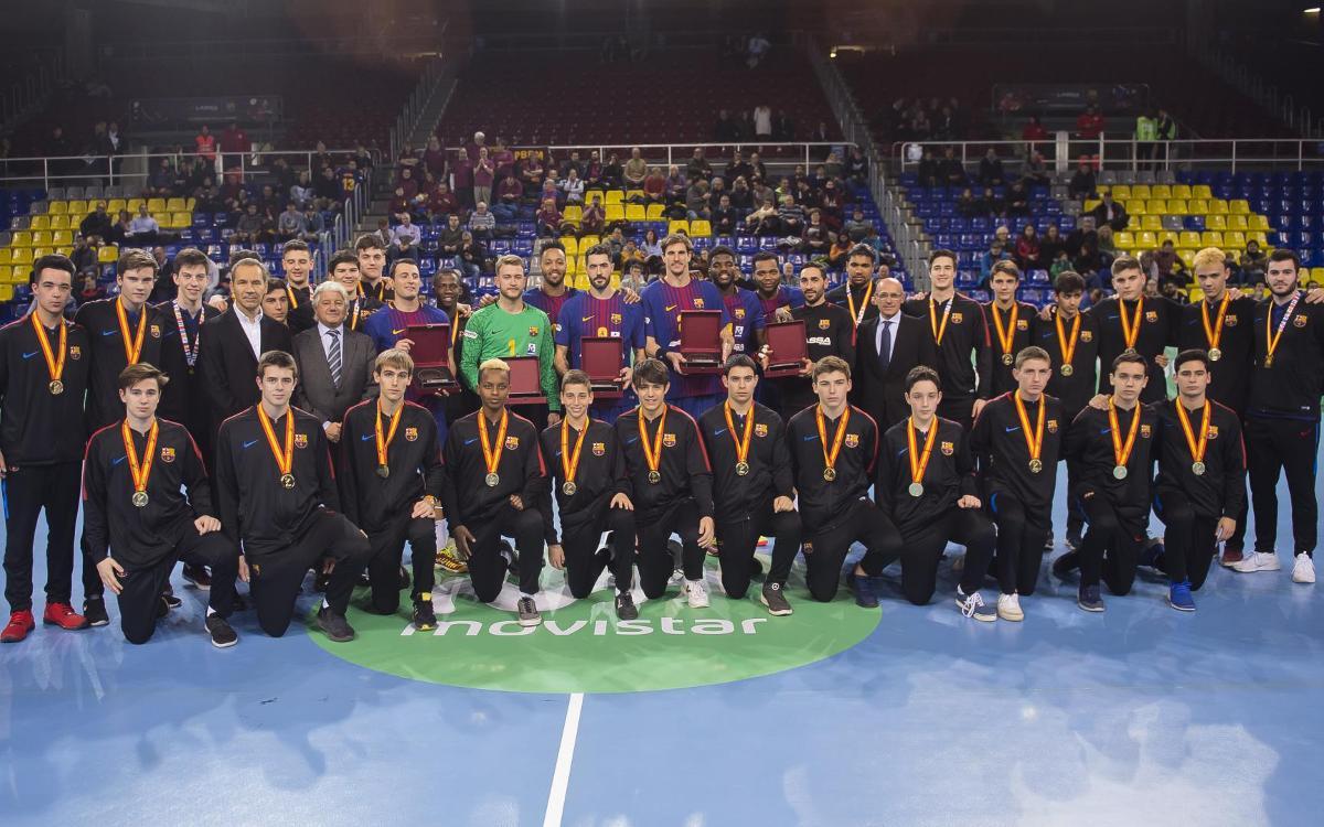 Homenaje del Palau a los campeones pequeños y grandes