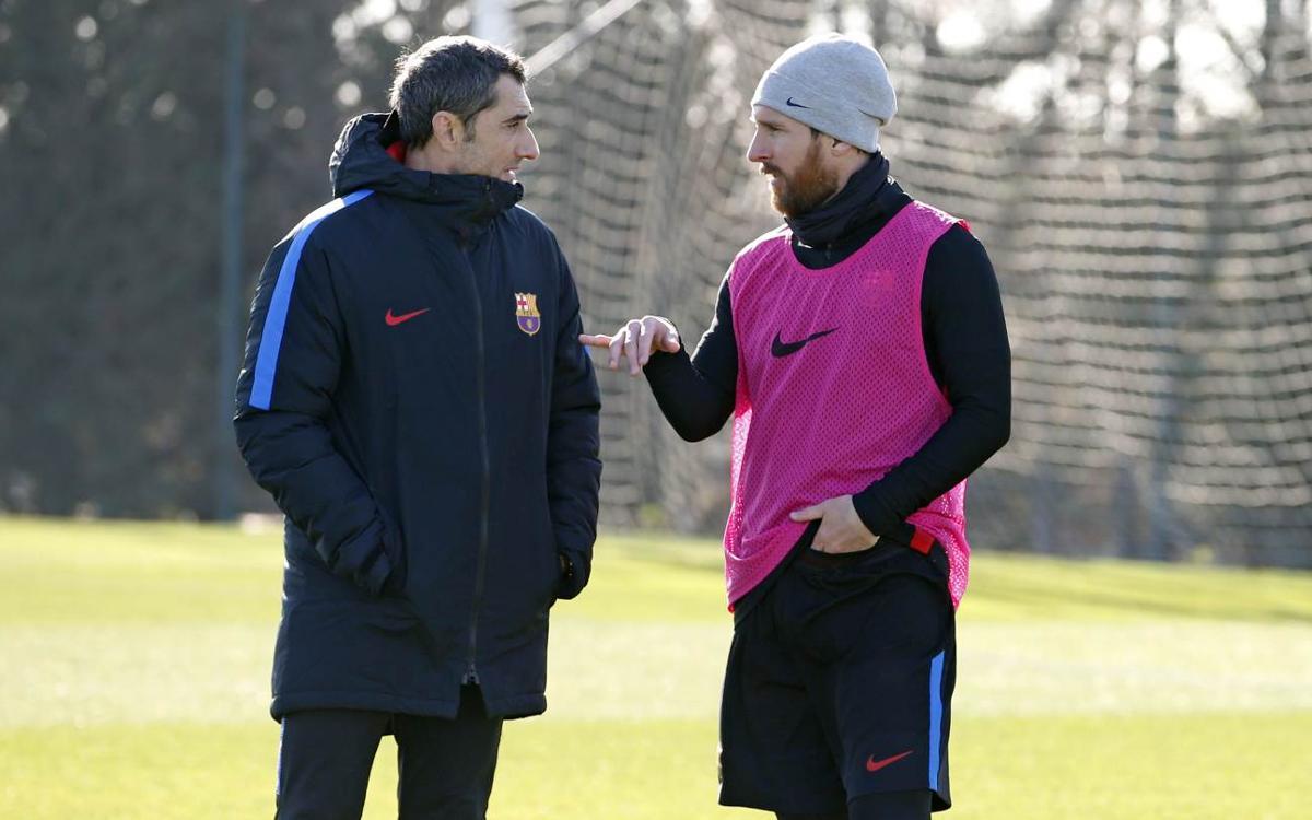 Vidéo - Les joueurs du FC Barcelone saluent le travail d'Ernesto Valverde