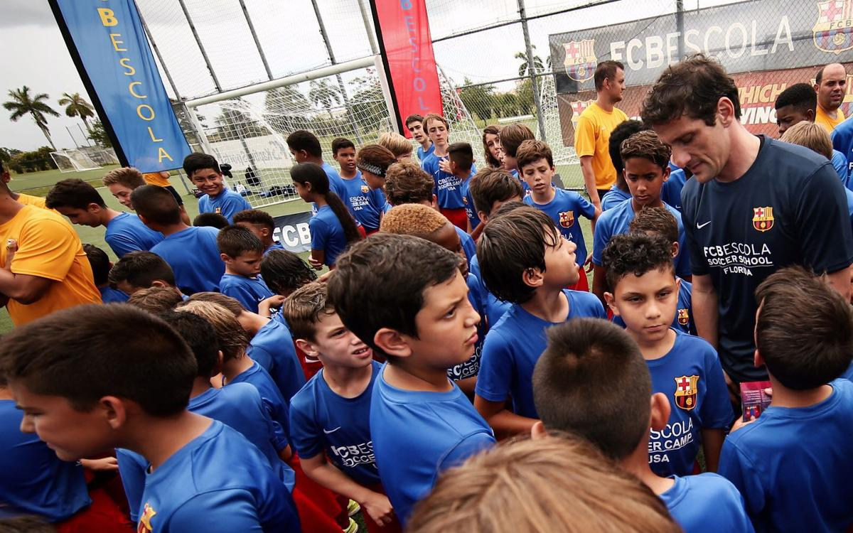 Crowds meet Belletti at the FCBCamp Miami