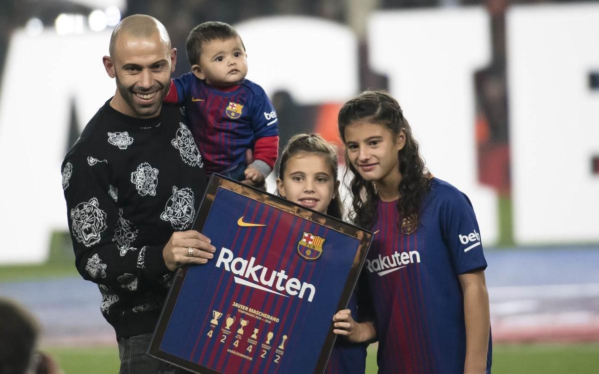 El Camp Nou s'acomiada de Javier Mascherano