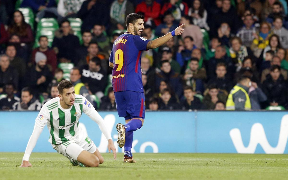 100 goals in the league for Luis Suárez