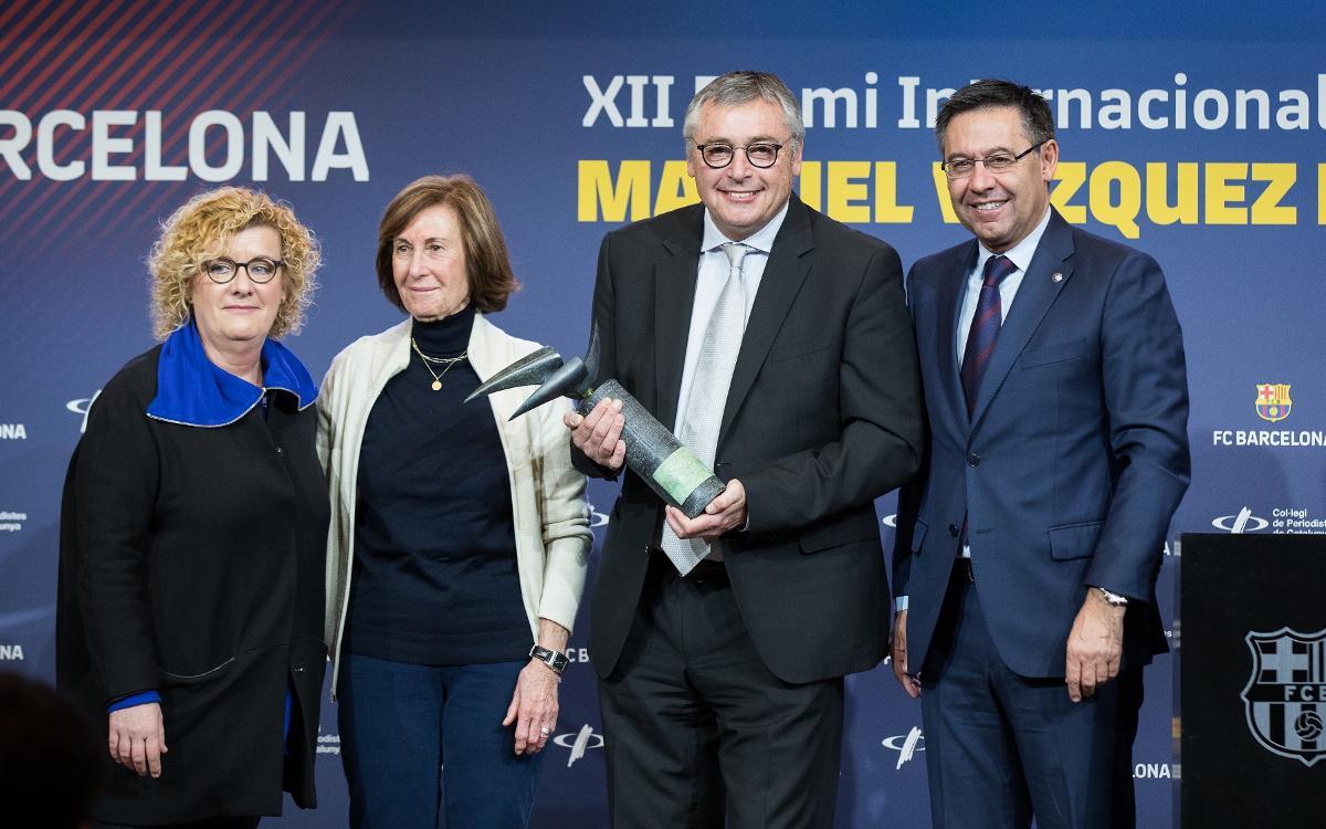 Michael Robinson rep el premi Vázquez Montalbán de periodisme esportiu