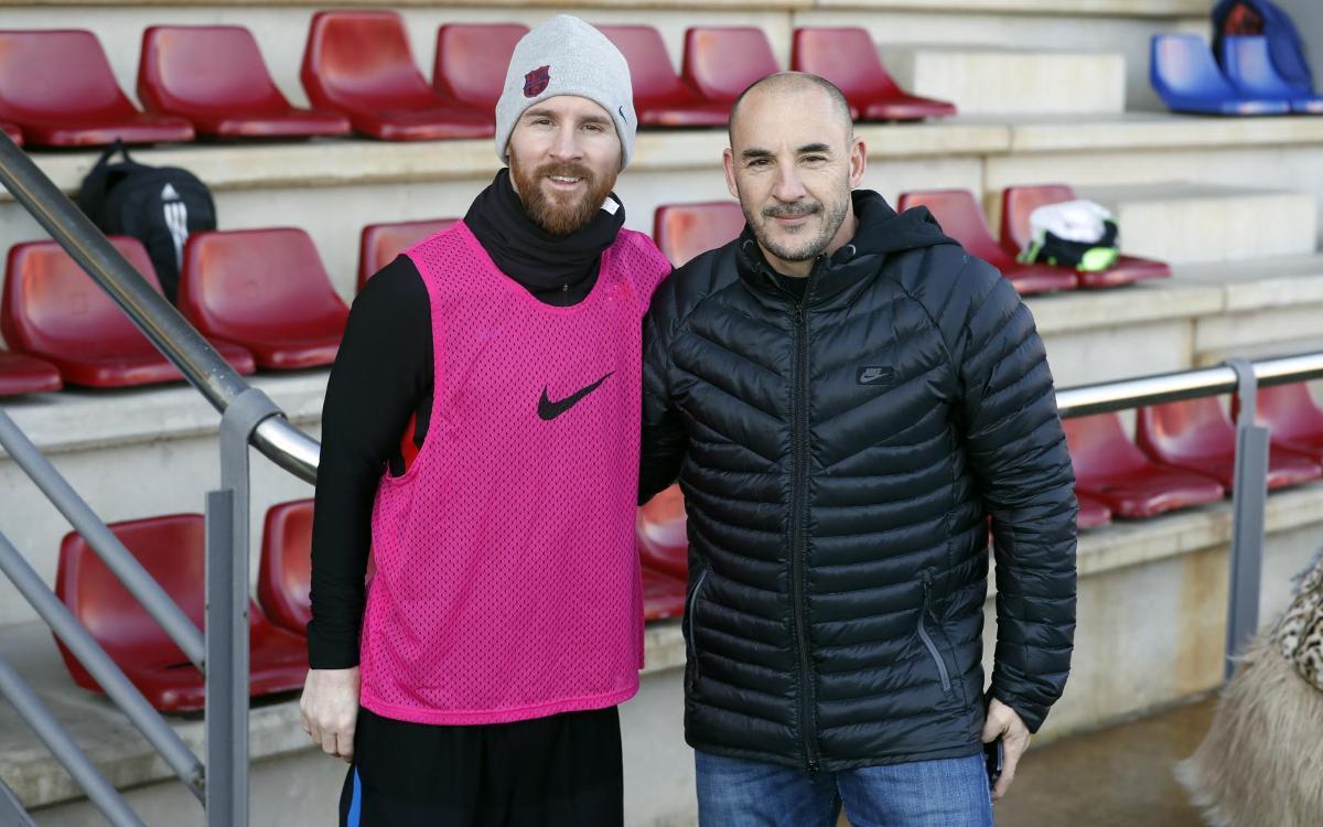 Chapi Ferrer i Scaloni visiten l'entrenament del primer equip