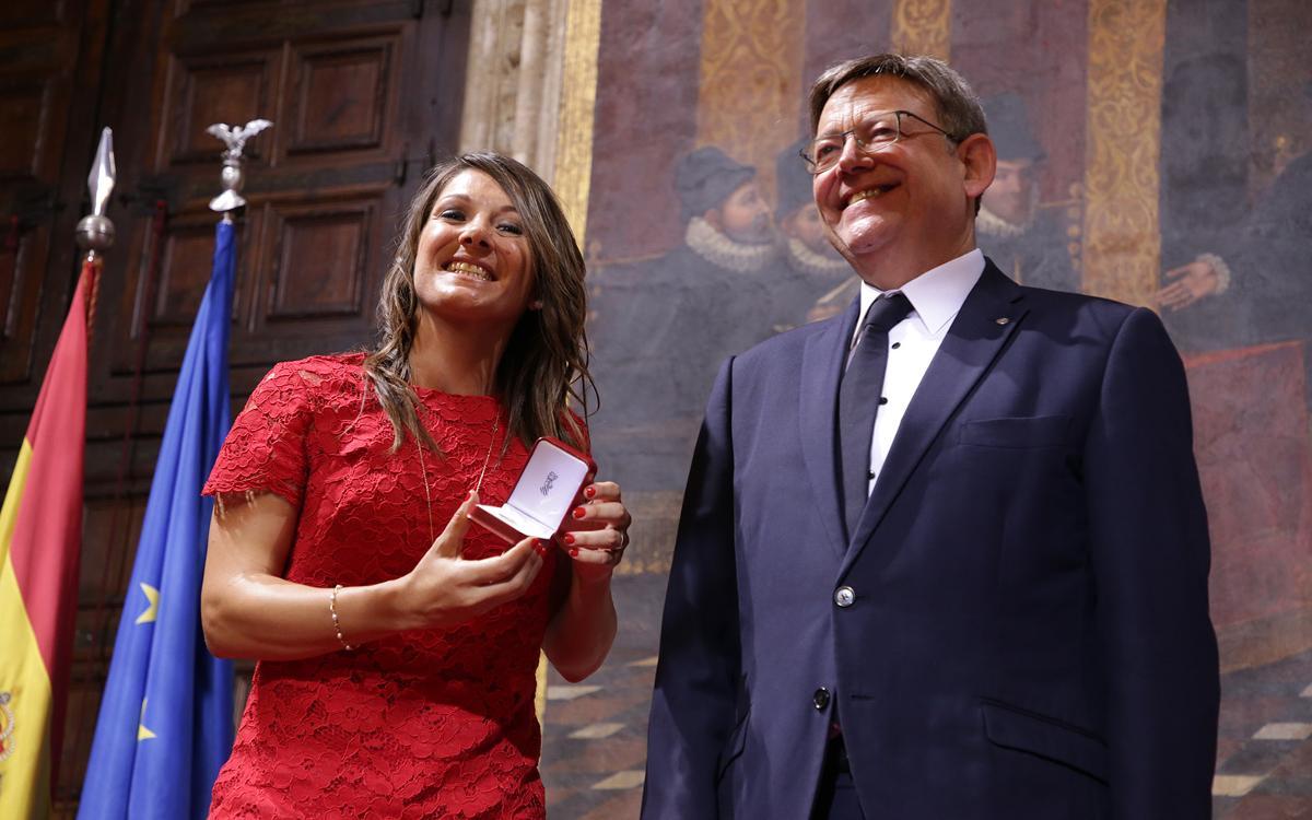Ruth García, con su Medalla al Mérito Deportivo: