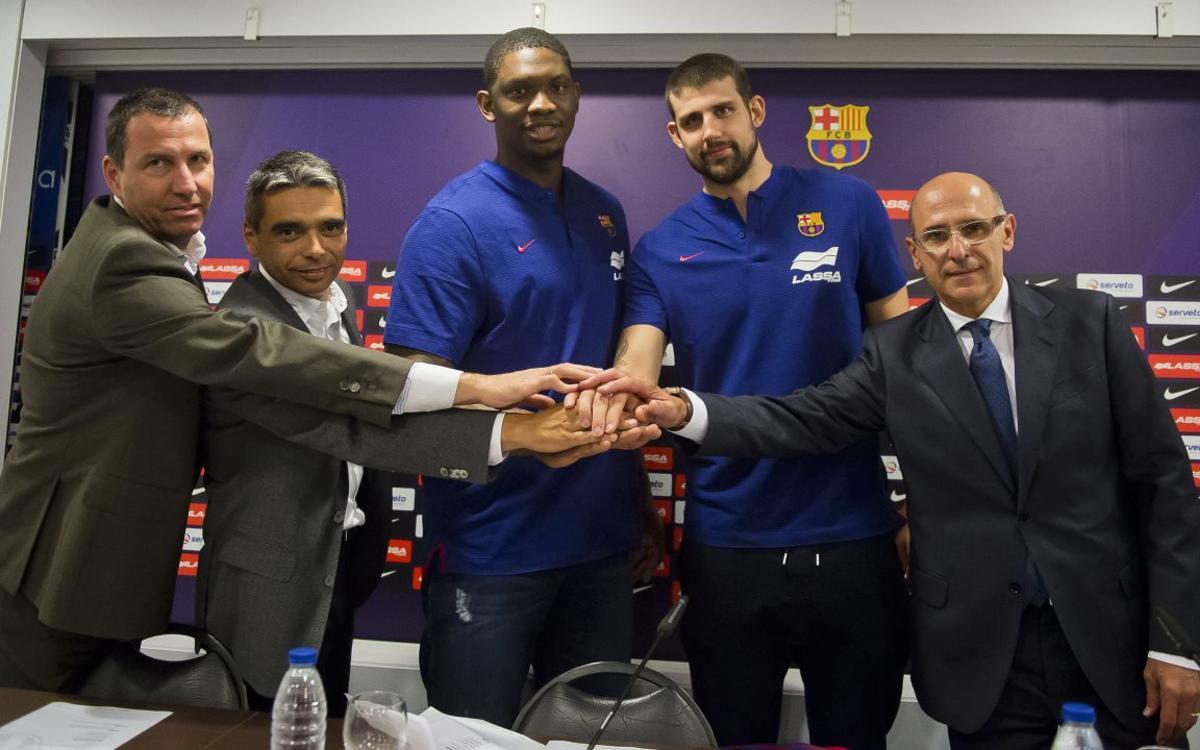Présentation de Kévin Seraphin et d'Adrien Moerman avec le Barça Lassa