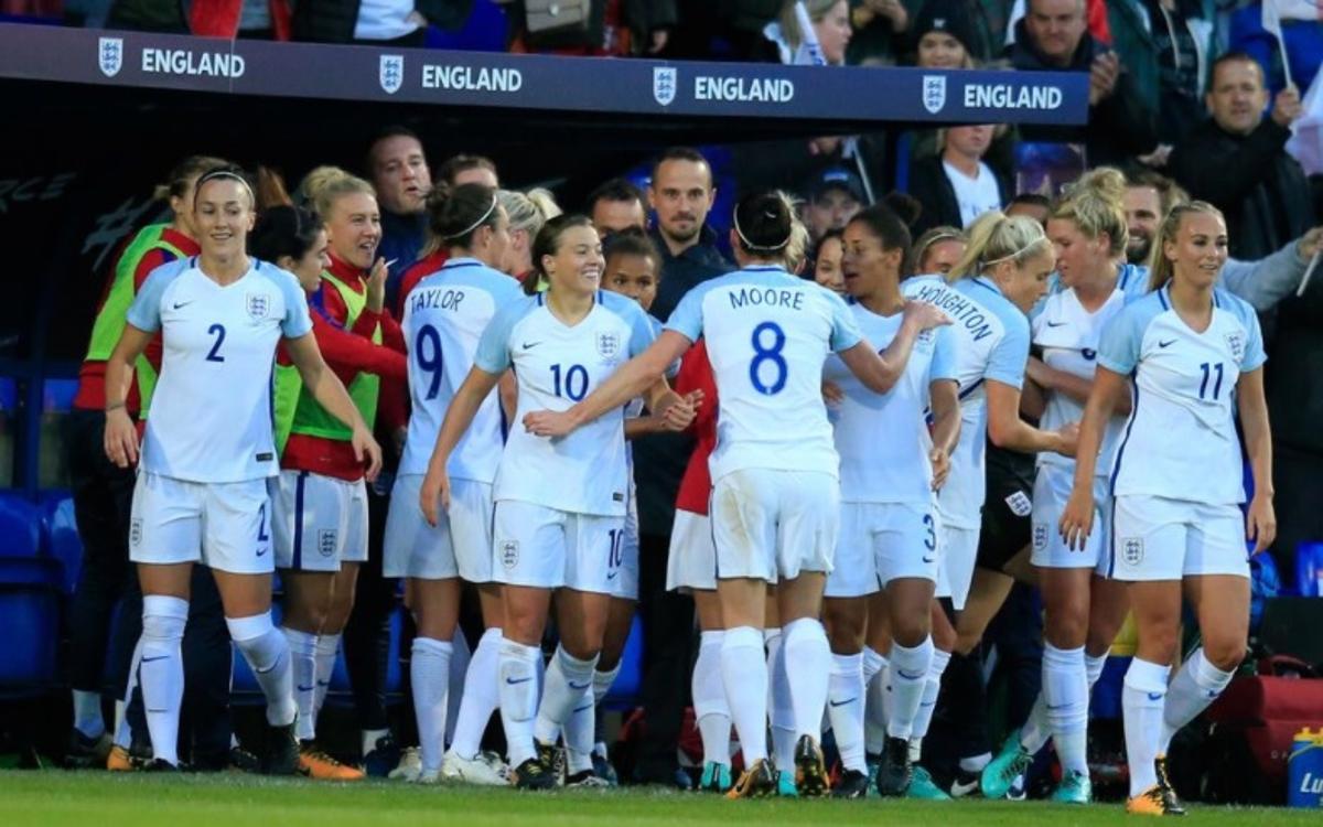 Doblet de Duggan en la golejada d'Anglaterra a Rússia (6-0)