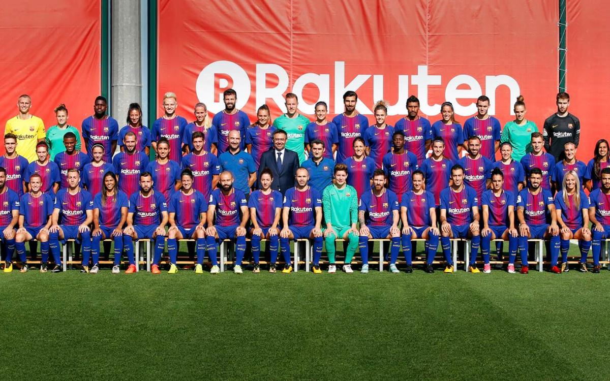 Barça first team and women s team pose for official photo b3be9233e6