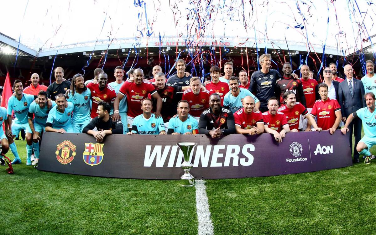 Manchester United Legends 2-2 Barça Legends: All square in the Theatre of Dreams