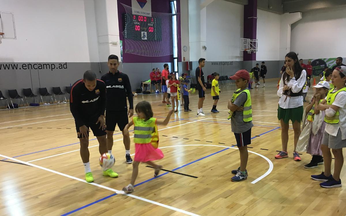 El Barça Lassa, con los niños de Encamp