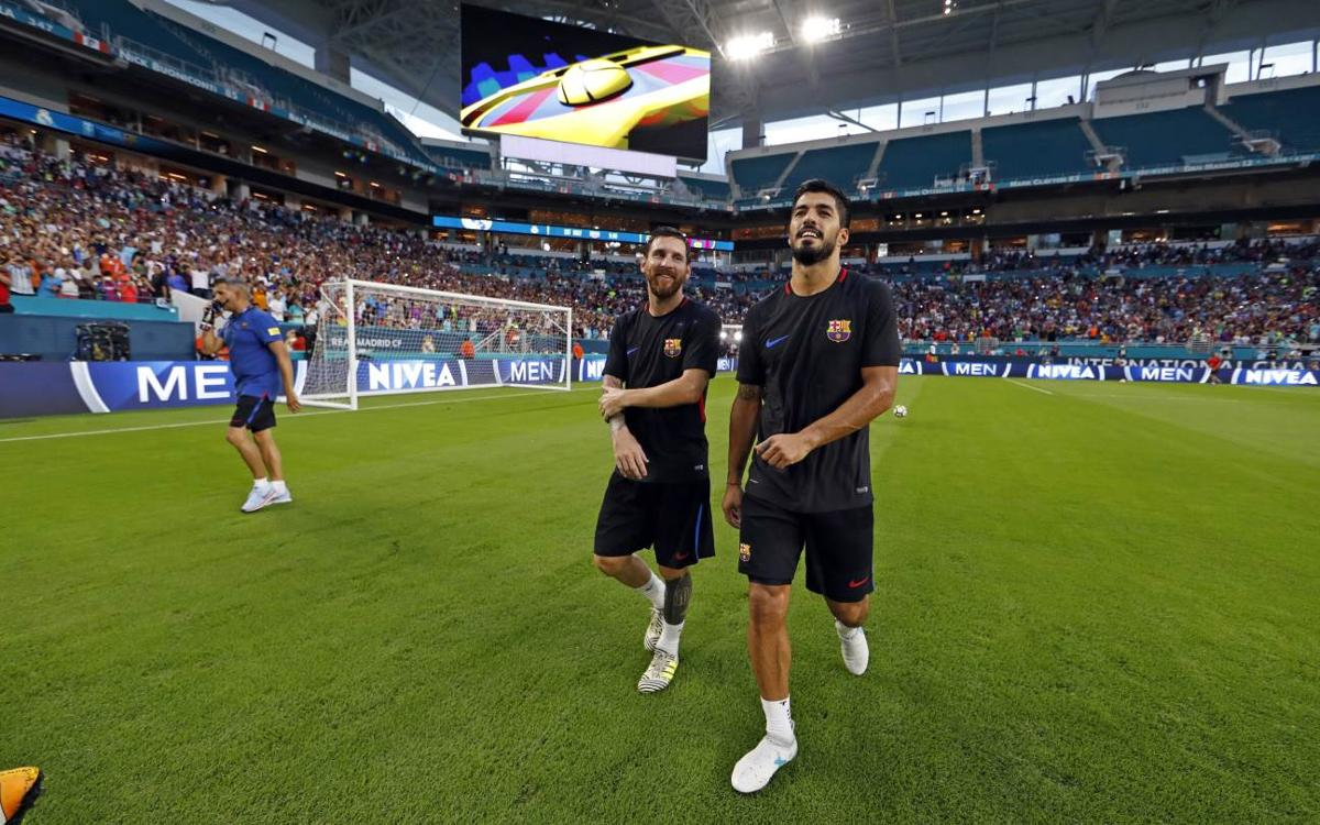 Tens of thousands attend Barça training session at Hard Rock Stadium