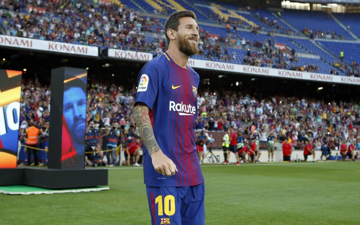 El Camp Nou vibra amb la presentació dels jugadors del FC Barcelona