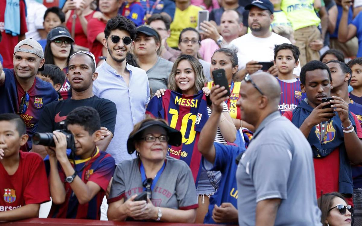 FC Barcelona fans in Washington DC metro area mirror team's play