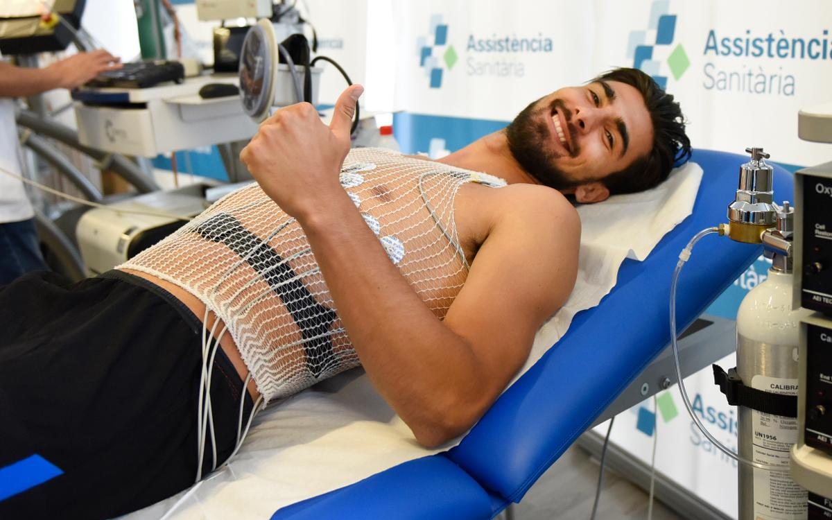 Ter Stegen and André Gomes pass medical tests