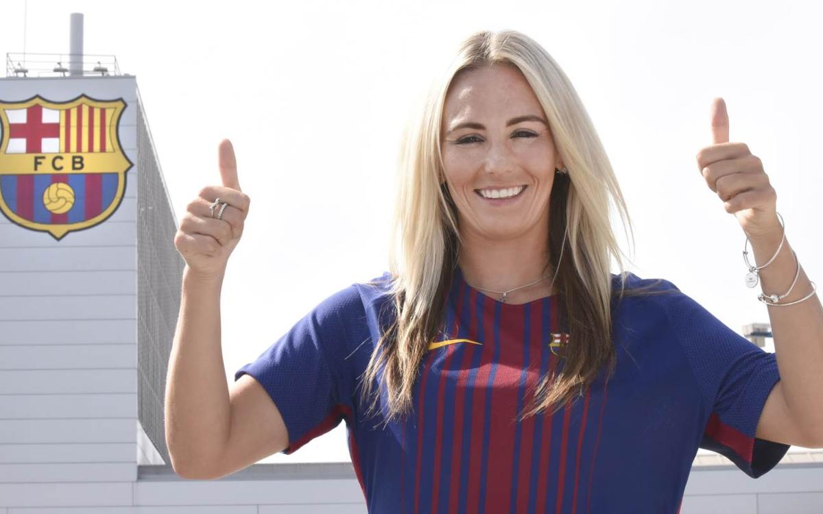 Toni Duggan signs for FC Barcelona Women