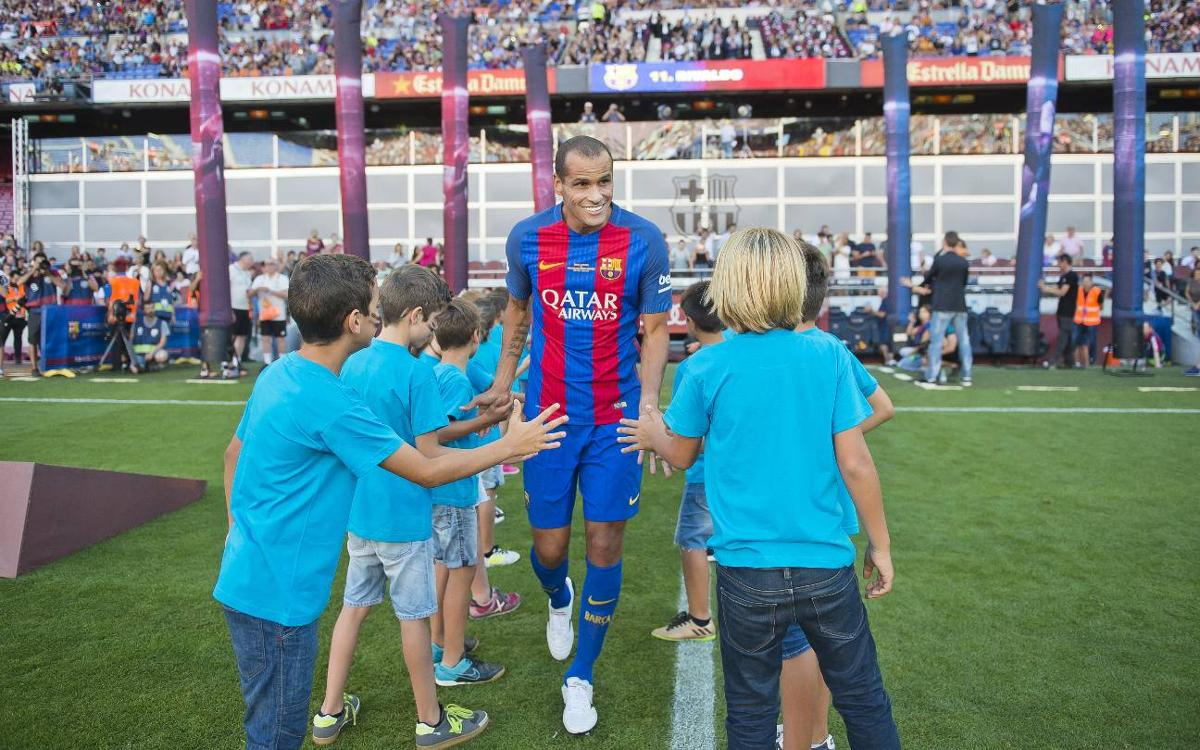 Behind the scenes of the legends game between FC Barcelona and Manchester United