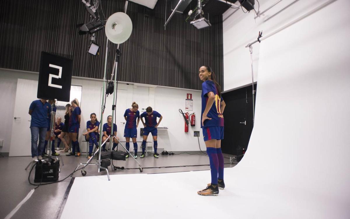 La sessió de fotos individuals oficials del Barça Femení