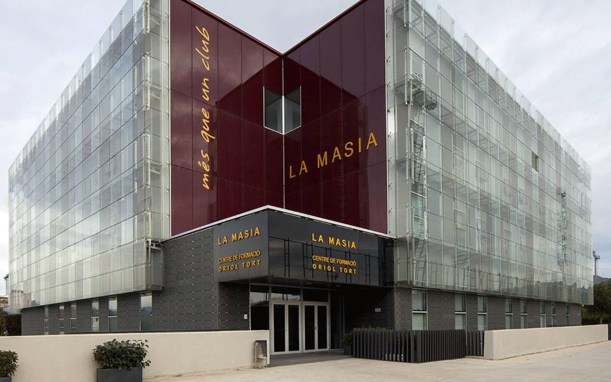 El FC Barcelona guanya el cas instat per MCM Publicidad, SL per a l'explotació de la façana de la Masia