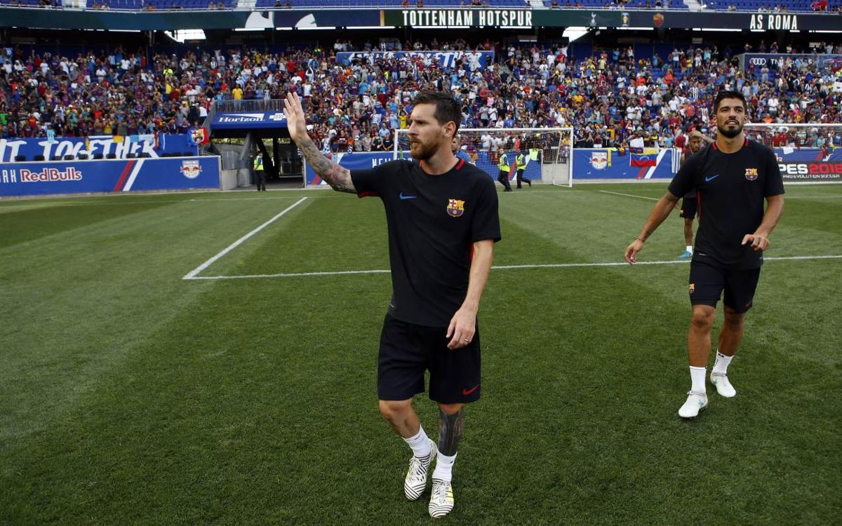 FC Barcelona gives the fans a show during a wild training session at Red Bull Arena