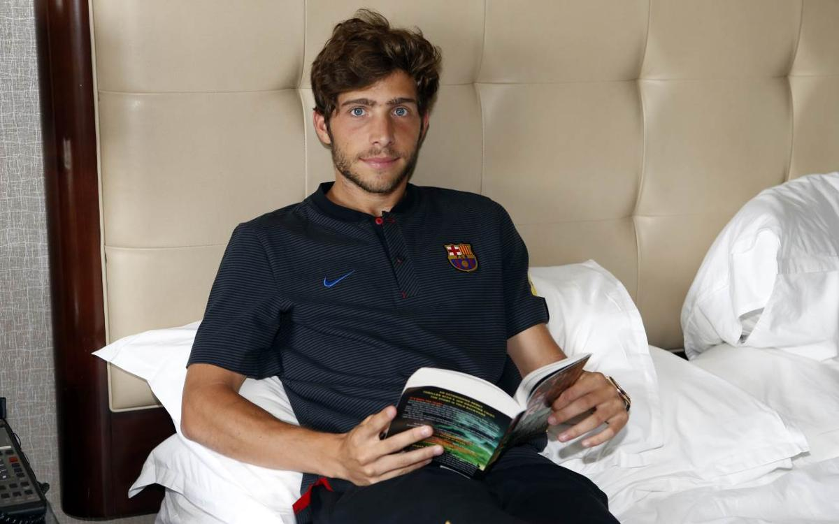 What's in Sergi Roberto's suitcase?