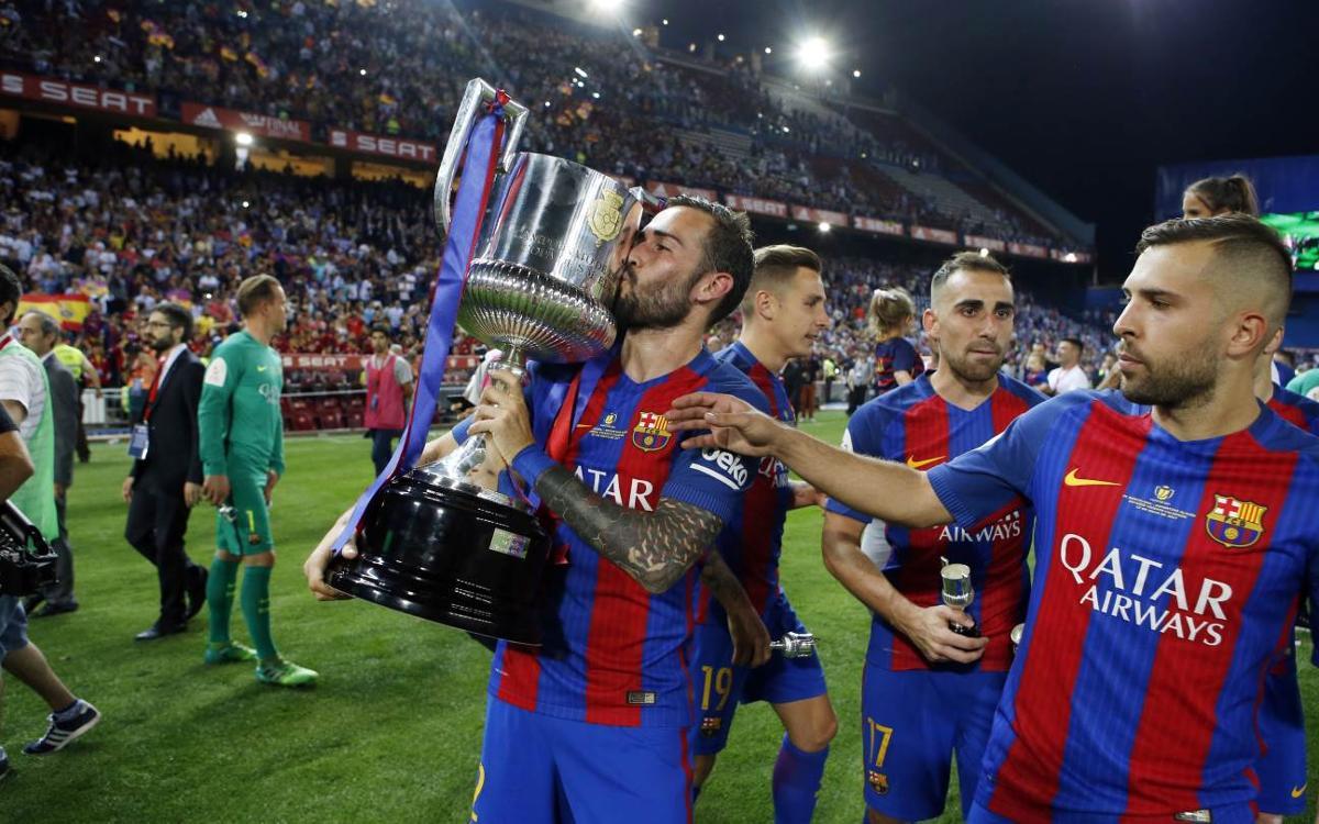 Vidéo - Les coulisses de la célébration de la victoire, sous le regard d'Aleix Vidal