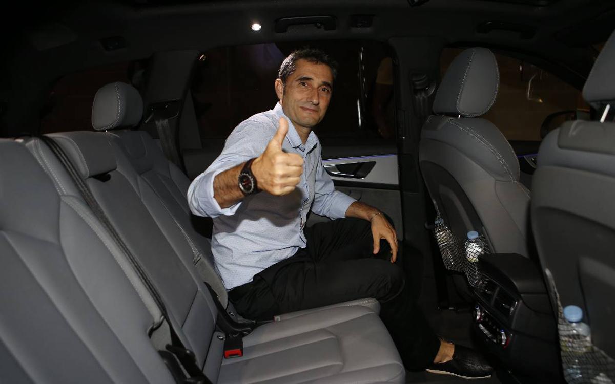 Con Valverde, camino del Camp Nou