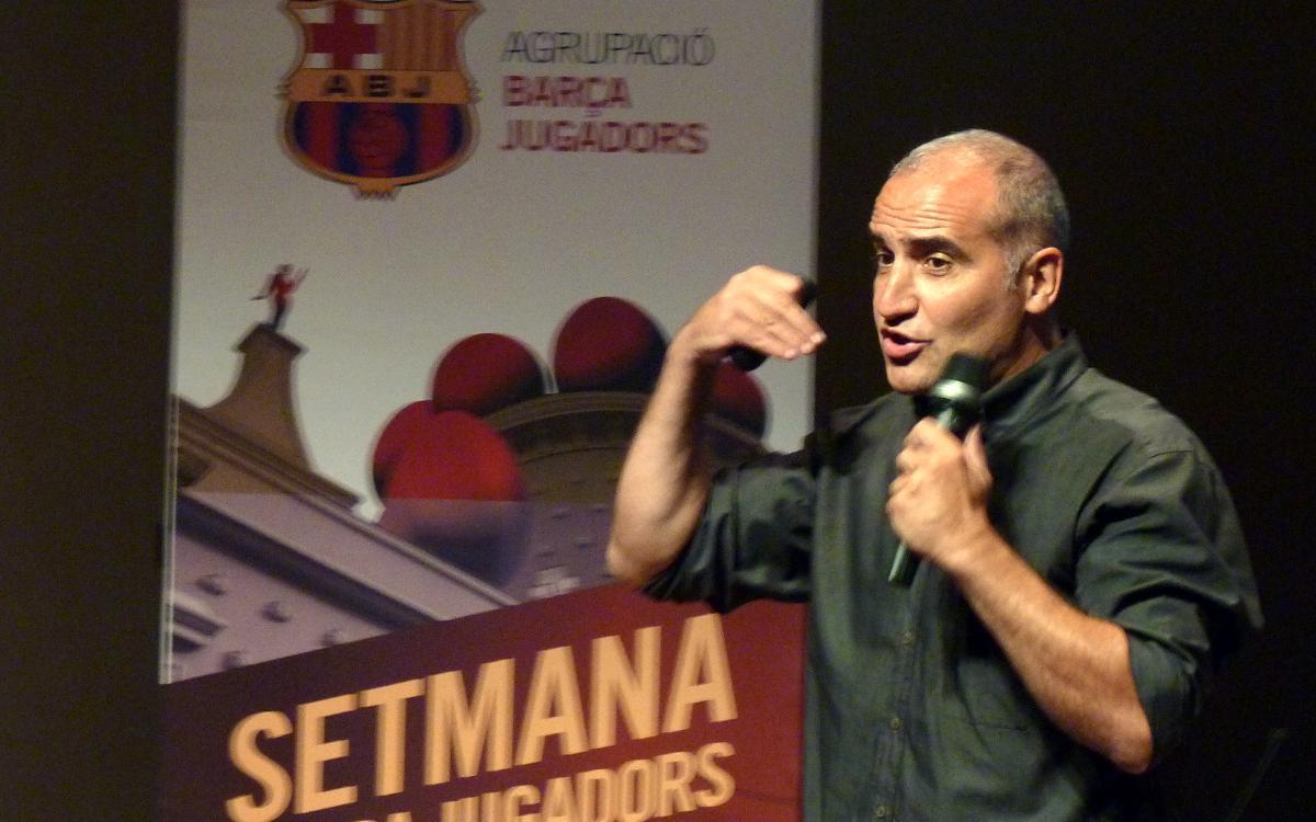Antoni Pinilla comparte con alumnos de Figueres su experiencia en el Barça