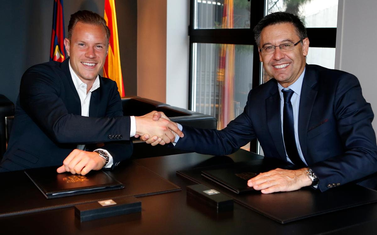 Ter Stegen signs contract extension with FC Barcelona