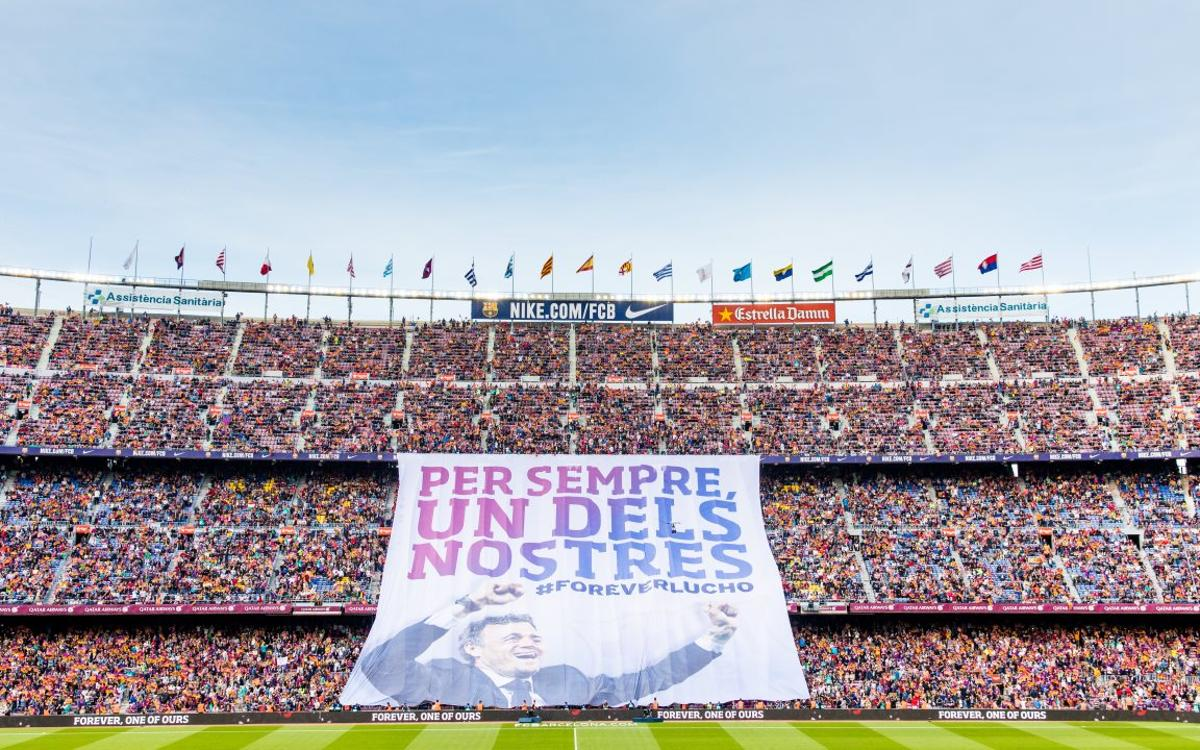 Giant banner thanking Luis Enrique is unfurled before Barça v Eibar