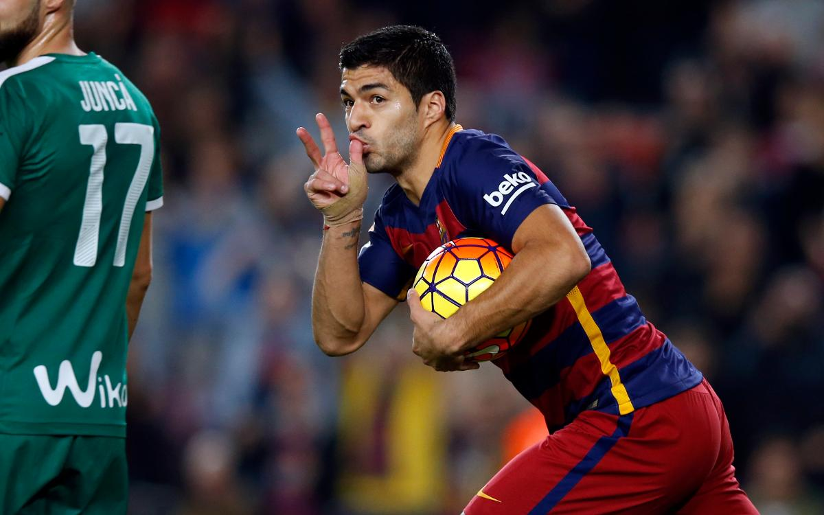 Luis Suárez's hat-trick against Eibar at the Camp Nou