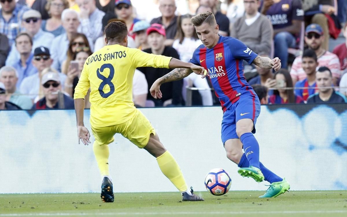 Lucas Digne has a strained hamstring