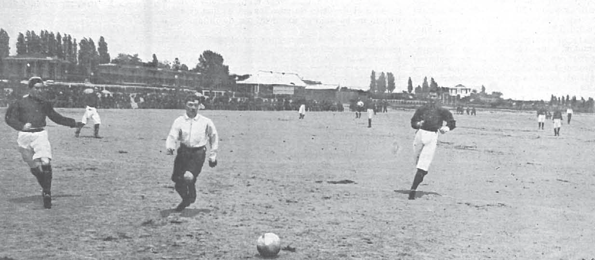 The first ever meeting between Madrid and FC Barcelona in 1902