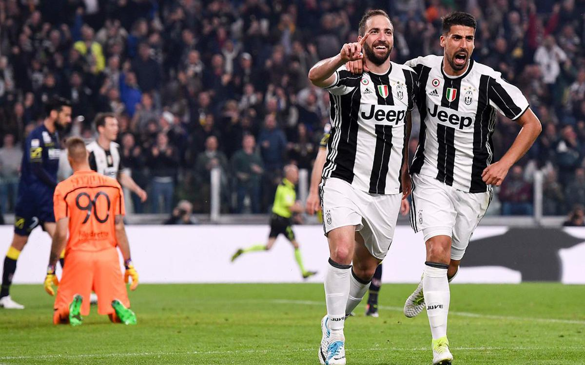 RIVAL WATCH: Juventus march on, Madrid derby ends level