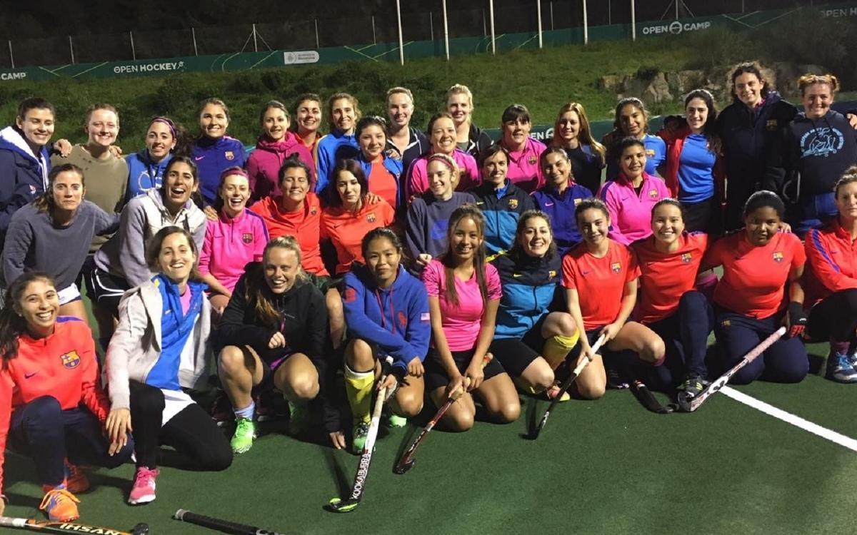 La sección de hockey hierba celebra el Día Internacional de las Mujeres
