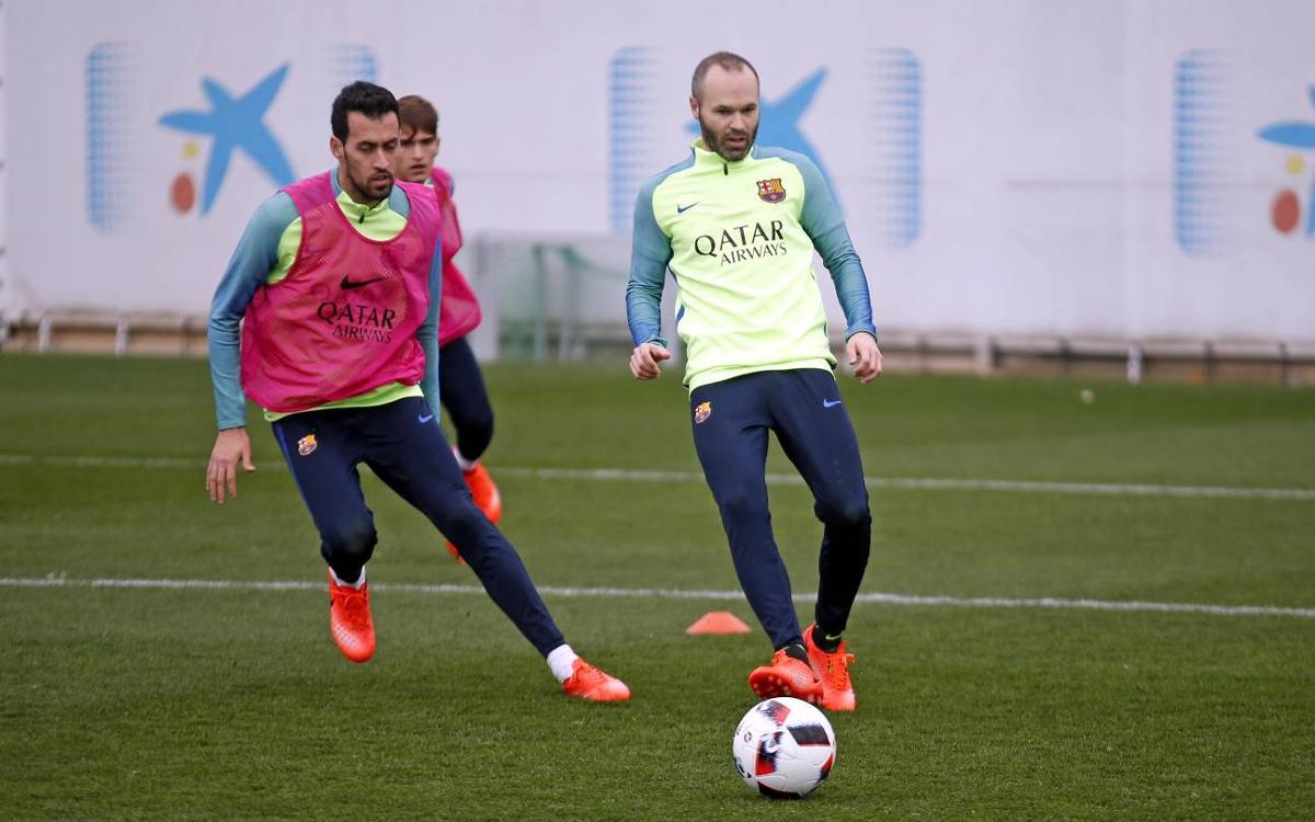 Sergio, Iniesta i Digne, amb l'alta mèdica, tornen a la convocatòria