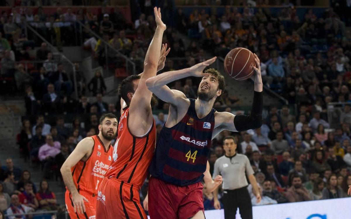 FC Barcelona 67-76 Valencia Basket: Cursed third period ends cup dream