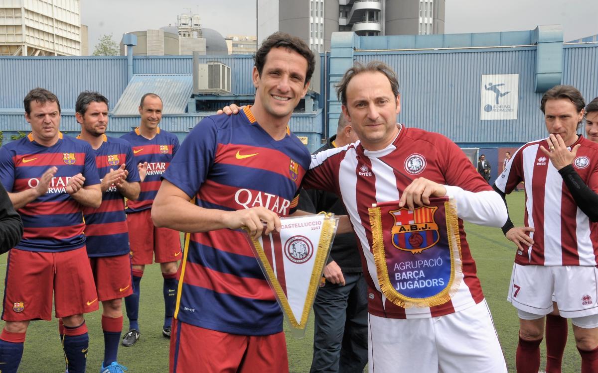 Juliano Belletti participa en un partido amistoso de la Agrupació contra un equipo italiano