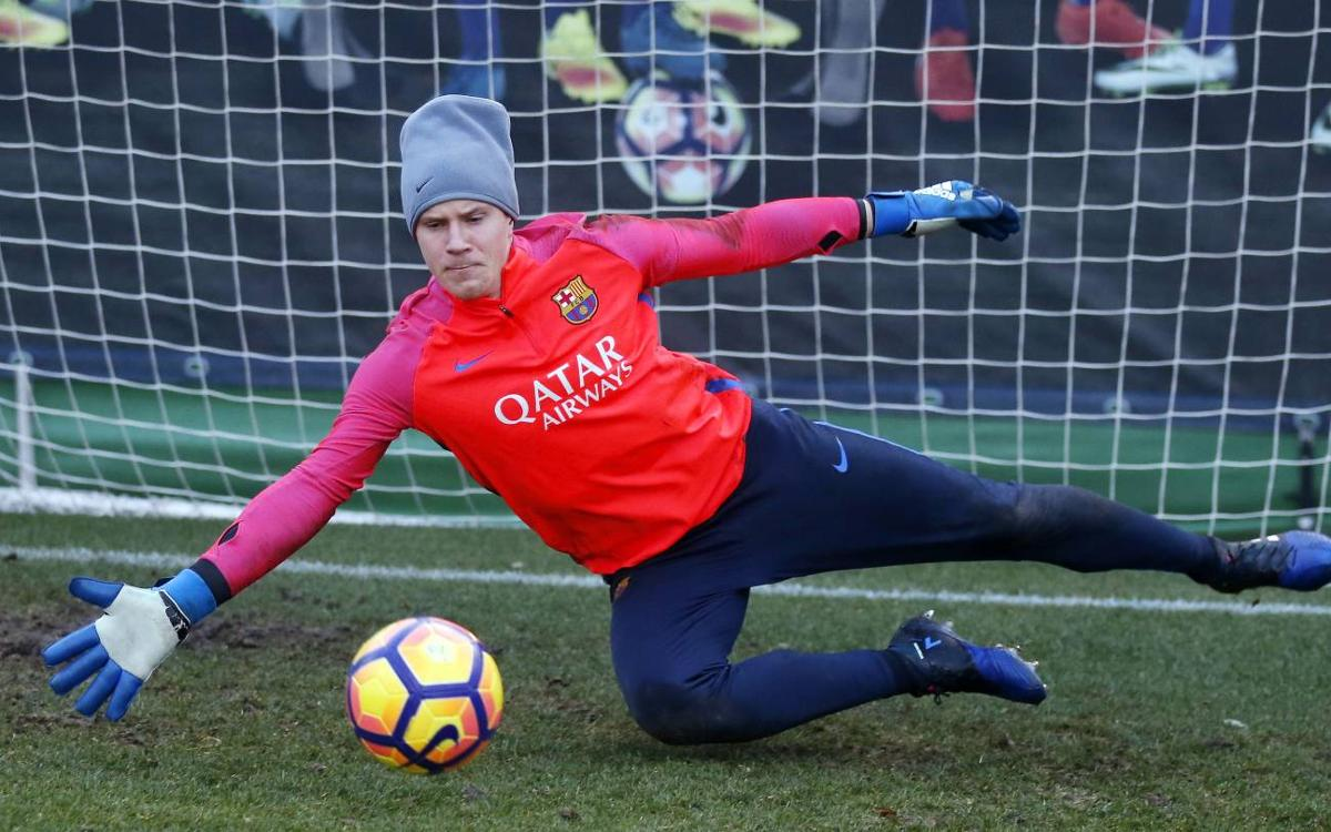 Ter Stegen returns to squad for Betis trip
