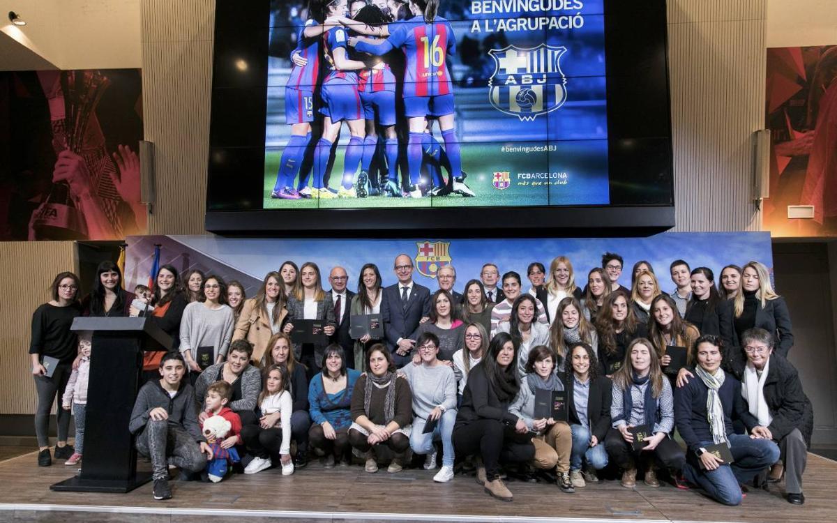 Presentación de las jugadoras del Barça como nuevas integrantes de la Agrupació Barça Jugadors