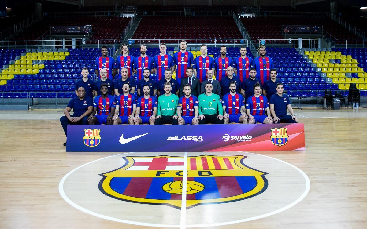 El Barça Lassa es fa la foto oficial amb el president
