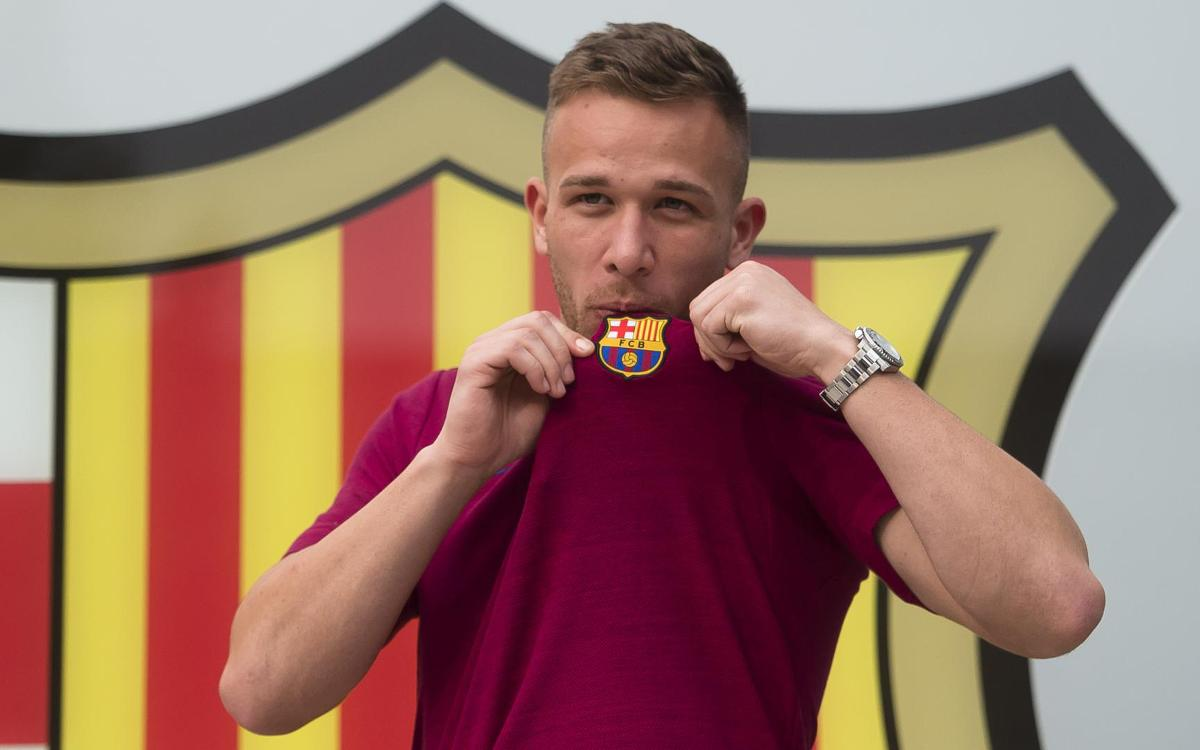 Arthur 'privileged' to join Barça
