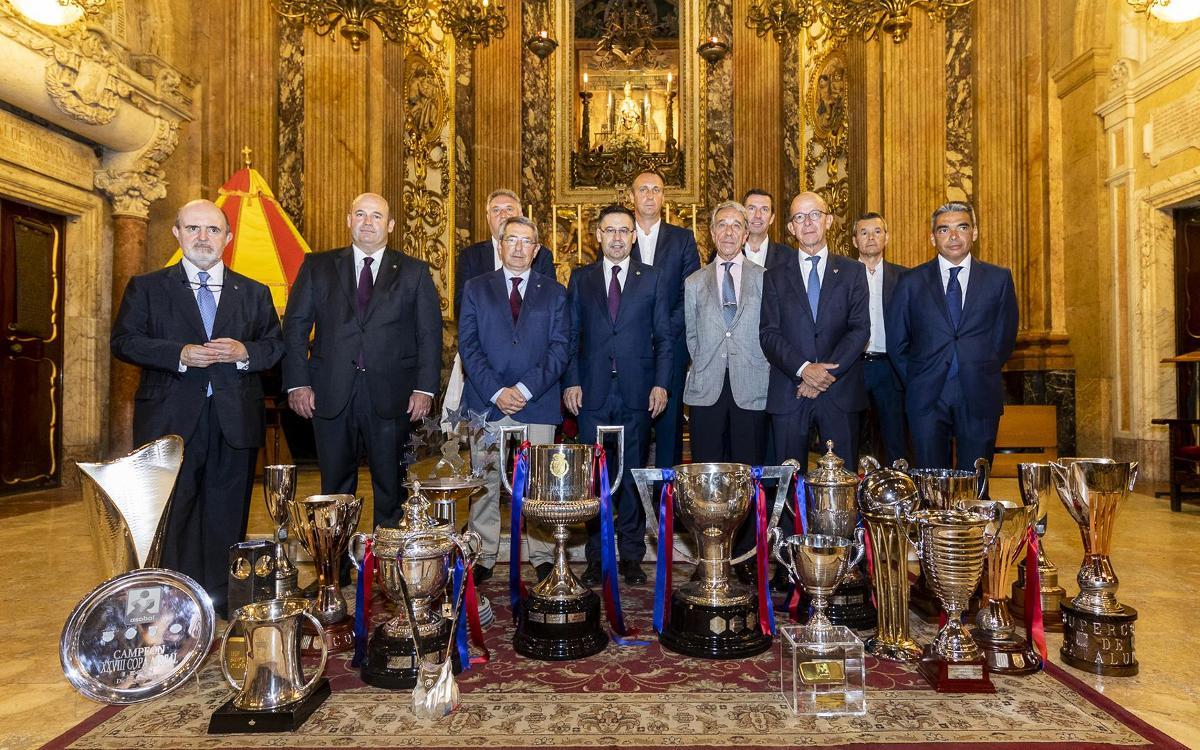 El FC Barcelona ofereix els títols assolits durant la temporada 2017/18 a la Mercè
