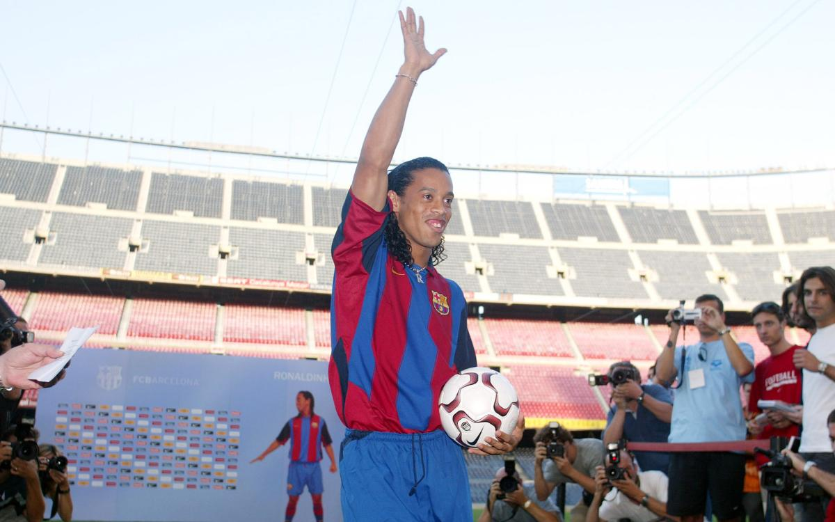 Vidéo - Il y a 15 ans, Ronaldinho était présenté au Camp Nou