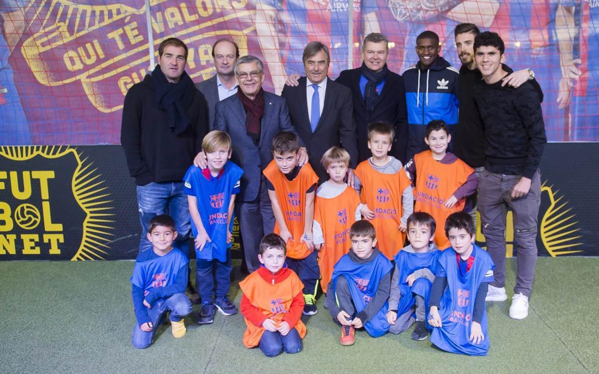 Aleñá, Jose Suárez y Marlon visitan el Salón de la Infancia
