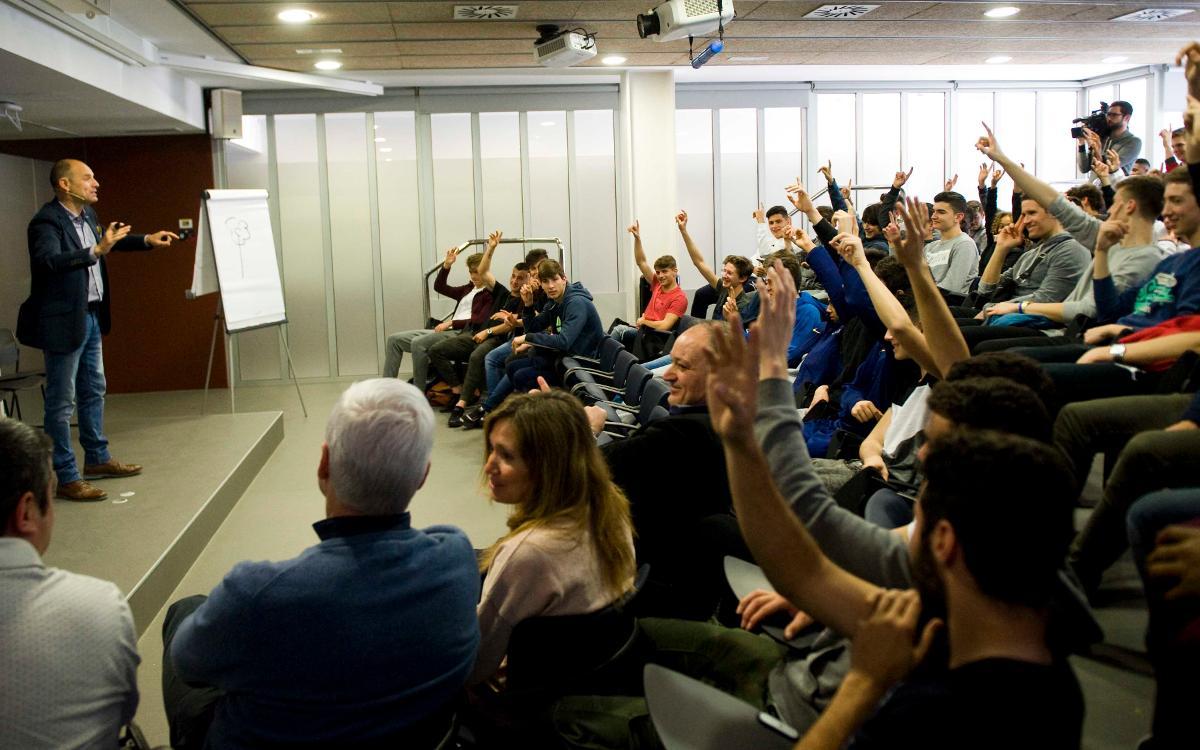 Conferència de Ramon Fauria a la Residència Masia